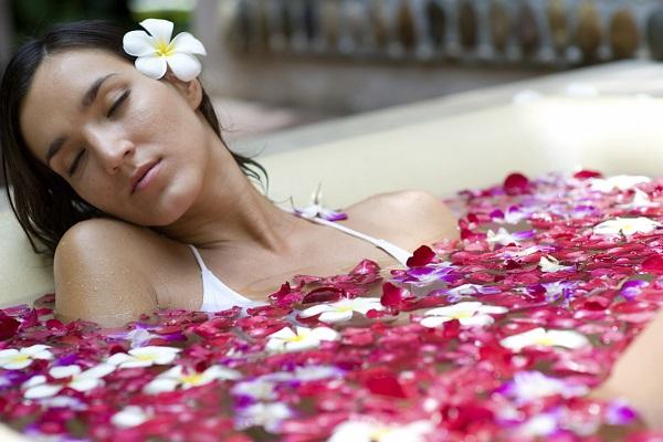 Прием ароматической ванны