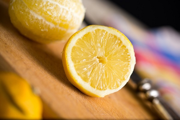 Чем полезен лимон детям