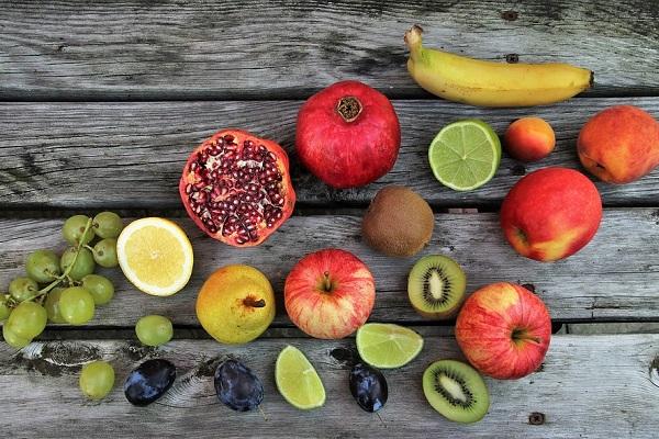 Смесь из фруктов
