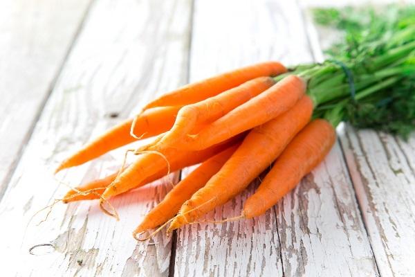 Морковь в пучке