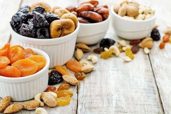 Сухофрукты с орехами